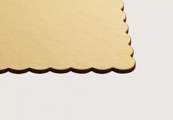 Round and rectangular cake boards –scalloped edged Ala boards and oversized boards